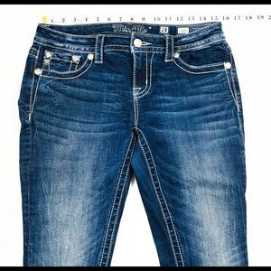 New Miss Me Jeans 28